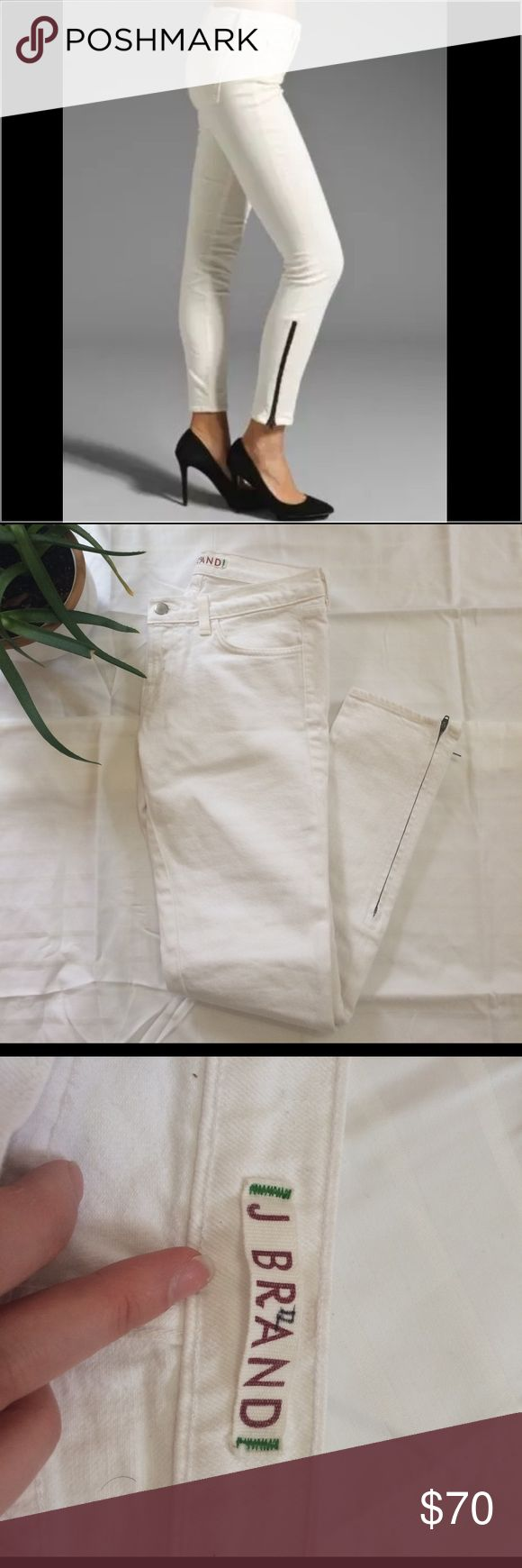 "HP🎊 J Brand white skinnies ankle zipper size 27 The best white skinnies. Inseam is 27, dark Zippers along the ankles. Perfect with heels for a night out or laid back with some sneaks or flats! Style is ""the deal"" has little writing on the inner label. J Brand Jeans Ankle & Cropped"