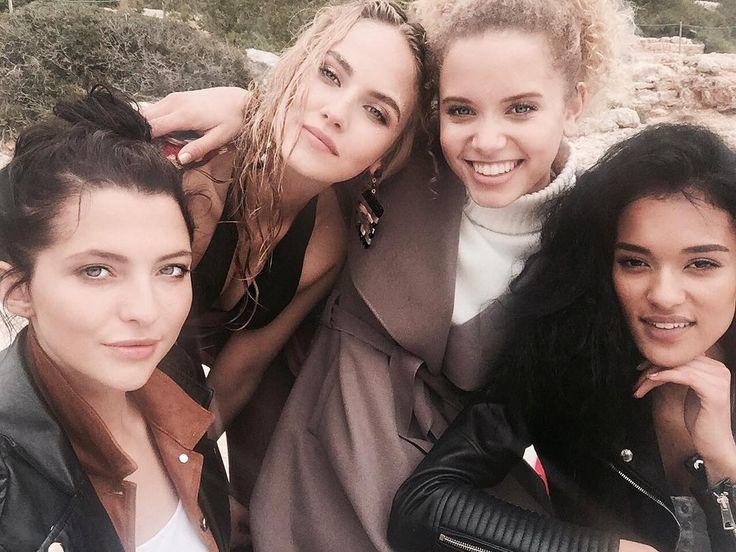 Diese Frauen prägten mein Leben  #gntm #strandshoot #crazytimes #loveyougirls by elena_c.topmodel.2016