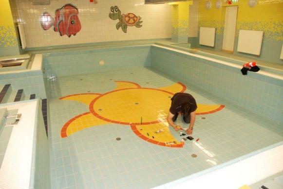 Doktor interiéru - Oprava odštínuté glazury keramických obkladů v bazénu keramickým tmelem Kerami-Fill®, #oprava, #obklady, #dlažba, #keramika, #repair, #Instandsetzung, #Reparatur, #sanita, #glazura, #tiles