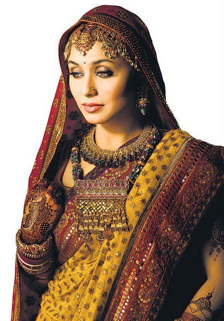 Rani Mukharjee in Wedding Dress   bollywood hotties ...