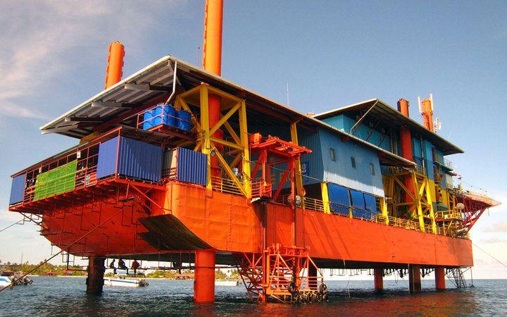 world's most unusual hotels: Seaventures Rig Resort