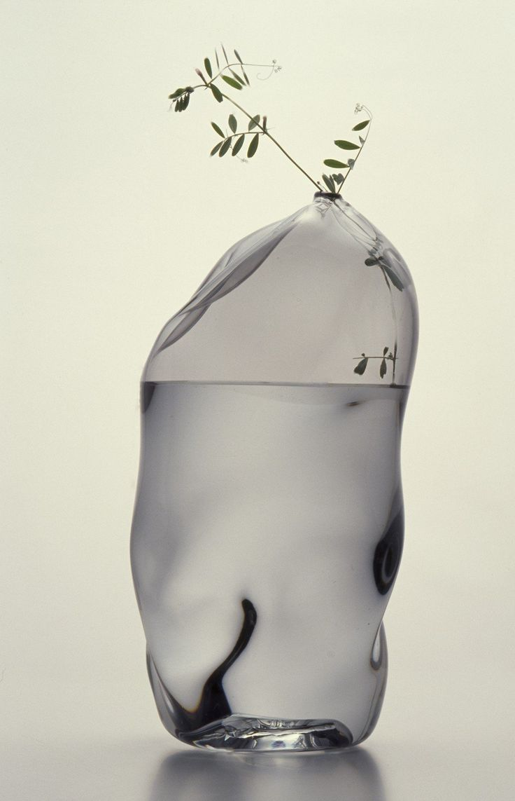 Utsuwa vase by Peter Ivy, 2005. Corning Museum of Glass
