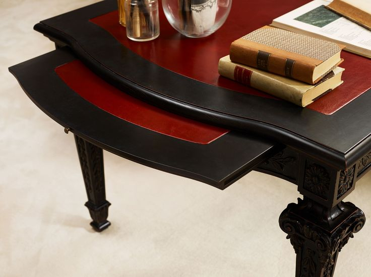 Luxury desk: a furniture that introduces a new style for the work area at home