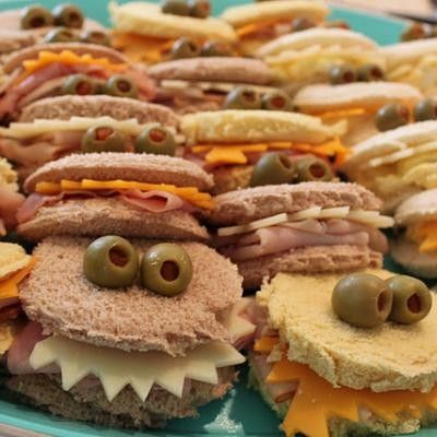 Monster Party Sandwiches! Or should I say sand-witches?! Okay... I apologize for the cheesy joke, but you've got to admit it was pretty punny.