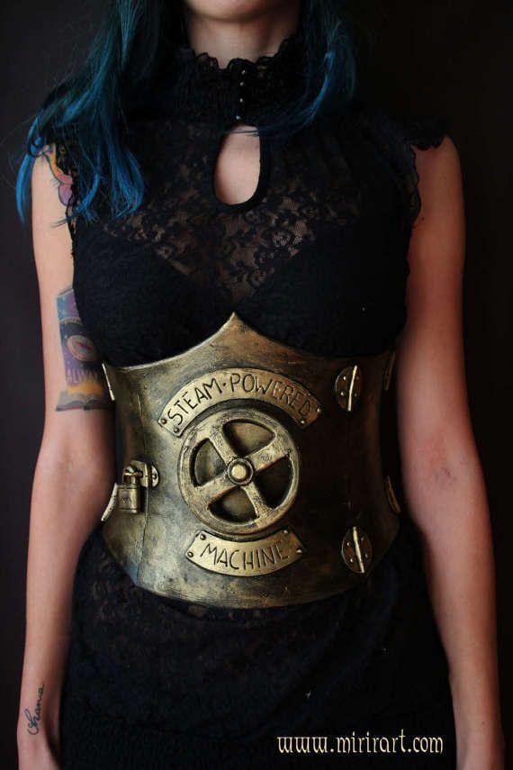 corsetto sottoseno stringivita steampunk/post apocalittico/gotico/vittoriano.armatura donna in Eva foam. costume/abbigliamento fantasy Larp