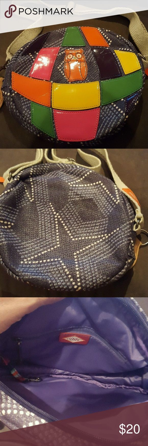 """Oilily handbag shoulder bag purse owl Bag is in excellent condition. Bag zips on top and opens to one compartment. There is a zip pocket against the back. Bag is located in a smoke-free home.   Bag Length:  9"""" Strap Drop:  13""""  Height:  8.5"""" Oilily Bags Shoulder Bags"""