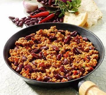 Deze chili is niet zo erg pittig, omdat wij daar niet van houden. Je kunt natuurlijk extra cayennepeper of sambal toevoegen om het pittiger te maken. Een...