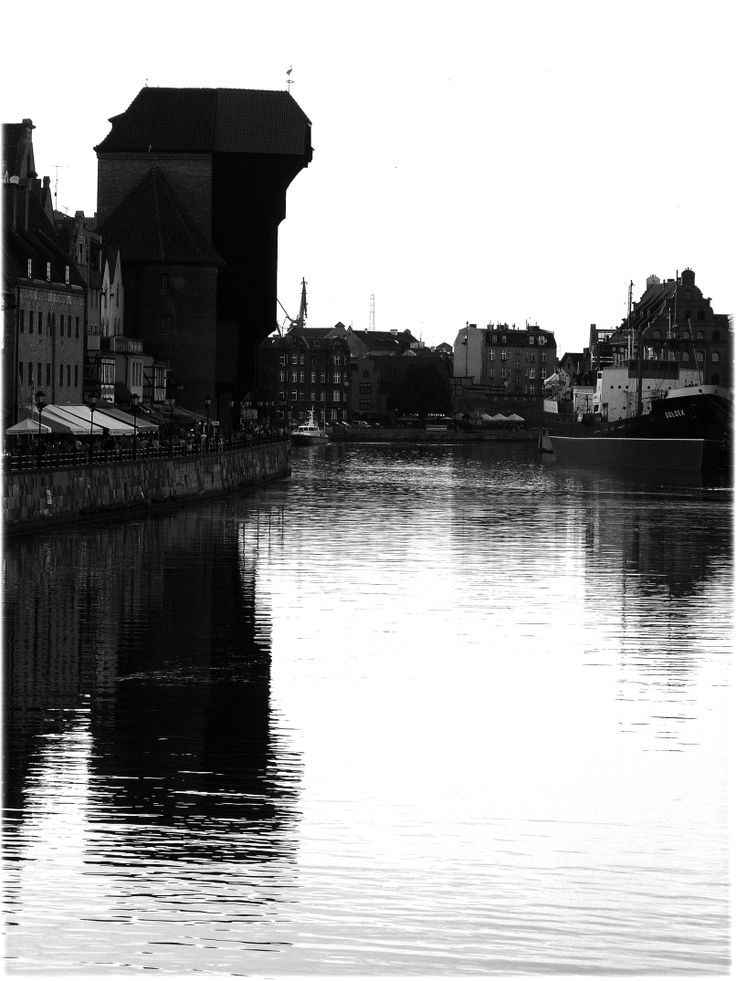 T.L. photography workshop - twilight in black and white Cityscape (human environment - an der Motlau) at dusk of series (DMC-FZ8 camera)