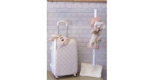 Λαμπάδα & βαλίτσα τροχήλατη πουά ρόζ εκρού με διακοσμητικό brand με πουλάκι καιύφασμα σε σάπιο μήλο με εκρού.&n...