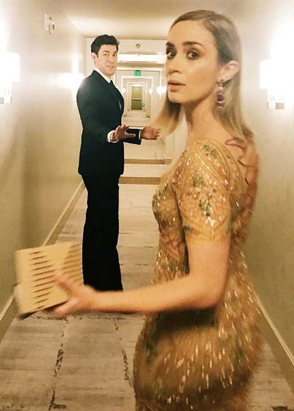 Just when we thought they couldn't get any cuter, Emily Blunt and John Krasinski made our hearts melt once again by being the most adorable couple ever at the 2017 SAG Awards.