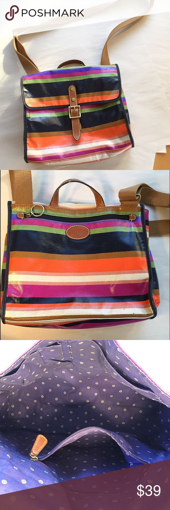 Fossil rainbow stripe shoulder bag This practical and adorable Fossil shoulder bag . Used a few times, very clean and in excellent condition! (See photos) Fossil Bags Shoulder Bags