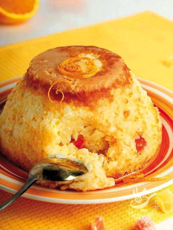 Puddings with orange rice - Sformate i vostri gustosi Budini di riso all'arancia su piattini eleganti, guarniti con scorze di agrumi tagliate a julienne e, oplà... Un figurone!