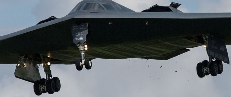 The Aviationist » [Photo] U.S. B-2 stealth bomber suffers bird strike while landing at UK base