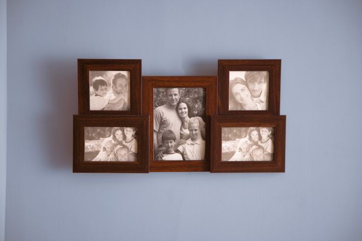 Put your favourite pictures of your mom & you in this collage frame.