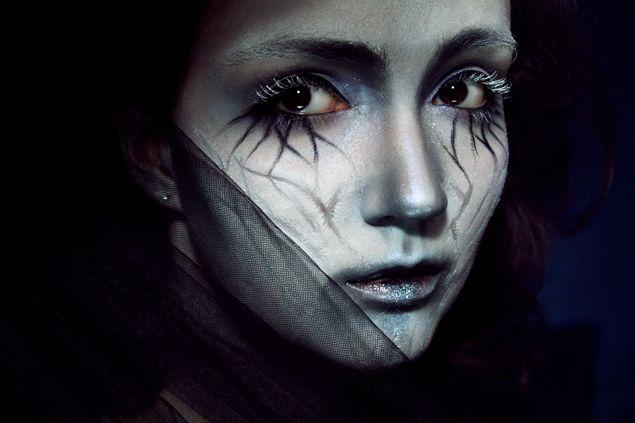 Klaire de Lys amazing despair inspired make up video.