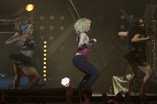 Shakira Photos: '40 Principales Awards' 2011
