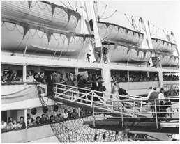 Before departing from Genoa on  6 October 1952 for her first voyage to Australia, she was christined Castel Felice. She arrived in Melbourne on 7 Nov 1952.   The Casel Felice made a total of 101  voyages  between 1952 and 1970, carrying over 100,000 immigrants to Australia and New Zealand.