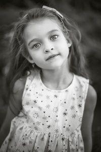 Портрет девочки ч/б