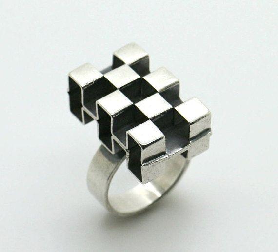 Elis Kauppi for Kupittaan Kulta (FI), vintage modernist cubism style sterling silver dimensional ring, 1970s. #finland | finlandjewelry.com #forsale