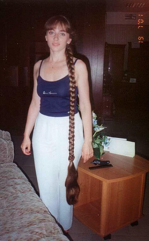 Девушка молода коса до пят в бане смотреть онлайн