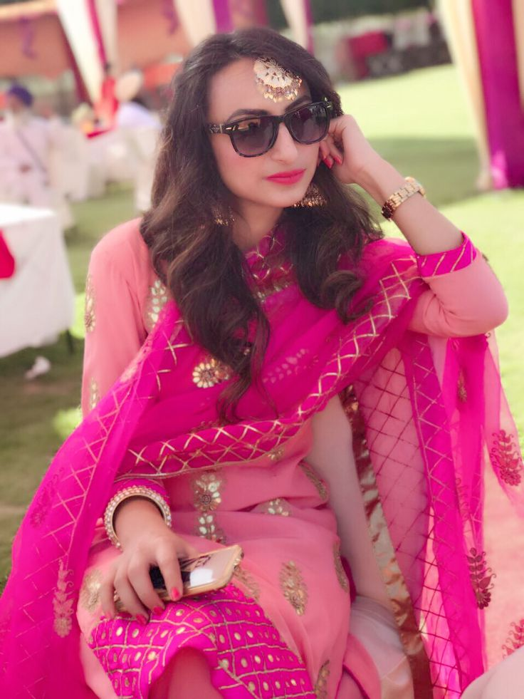 Every punjabi girl love to wear punjabi suits as I am . But this time I am here to unveil the restyling of alike attires for different beanfeasts. Sticking to my roots I always tries to…