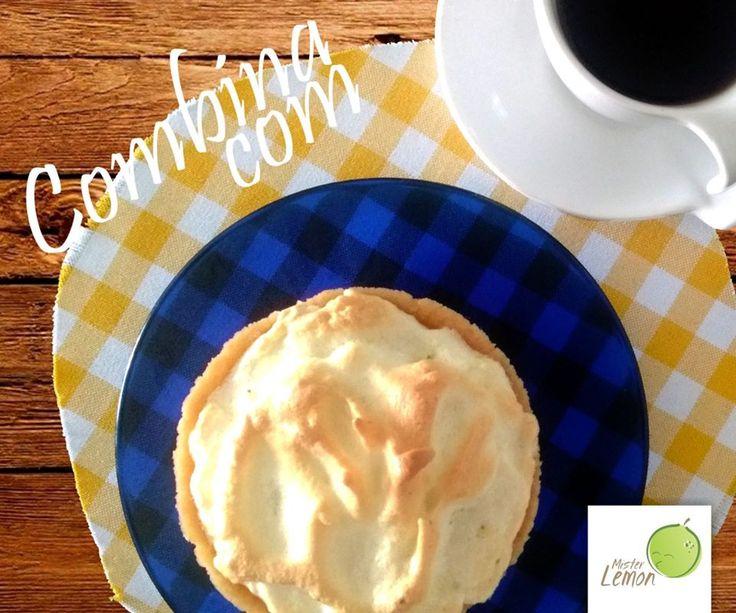 Feliz Dia Mundial do Café quentinho com torta de limão geladíssima :))  Vai dizer que não combina? #diamundialdocafé  #AmoTortasdeLimao #MrLemon #sobremesas