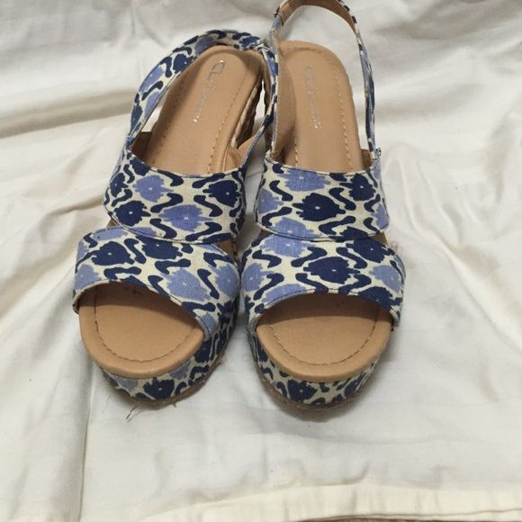 Chinese Laundry size 9 blue and white espadrilles Chinese Laundry size 9 espadrilles. Cute for the summer. Chinese Laundry Shoes Espadrilles