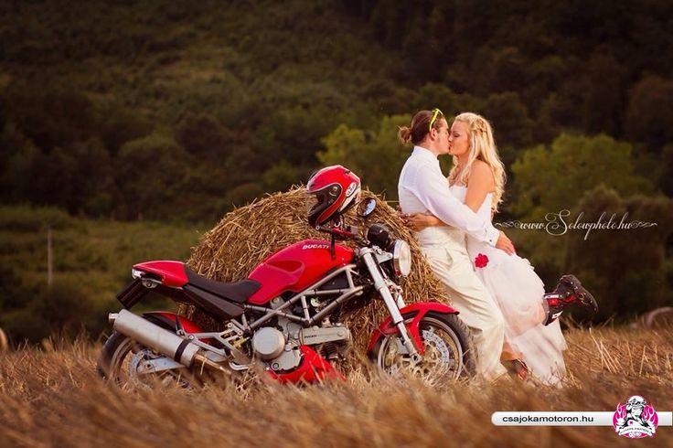 Biker love - Album: Motoros Csajok | CsamClub - Motoros Nők Közösségi Portálja