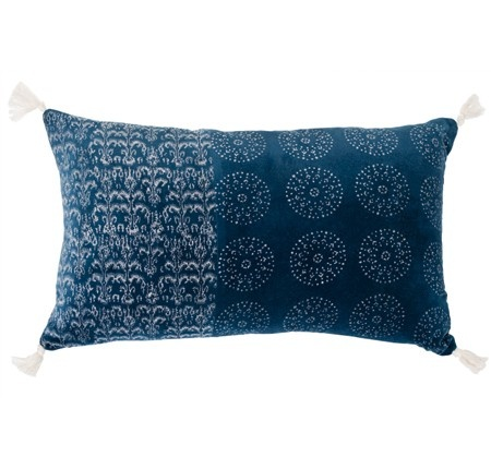 Midnight offers exotic edge with its print on sumptuous coral or blue velvet. #winter #decor #inspiration #linenandmoore