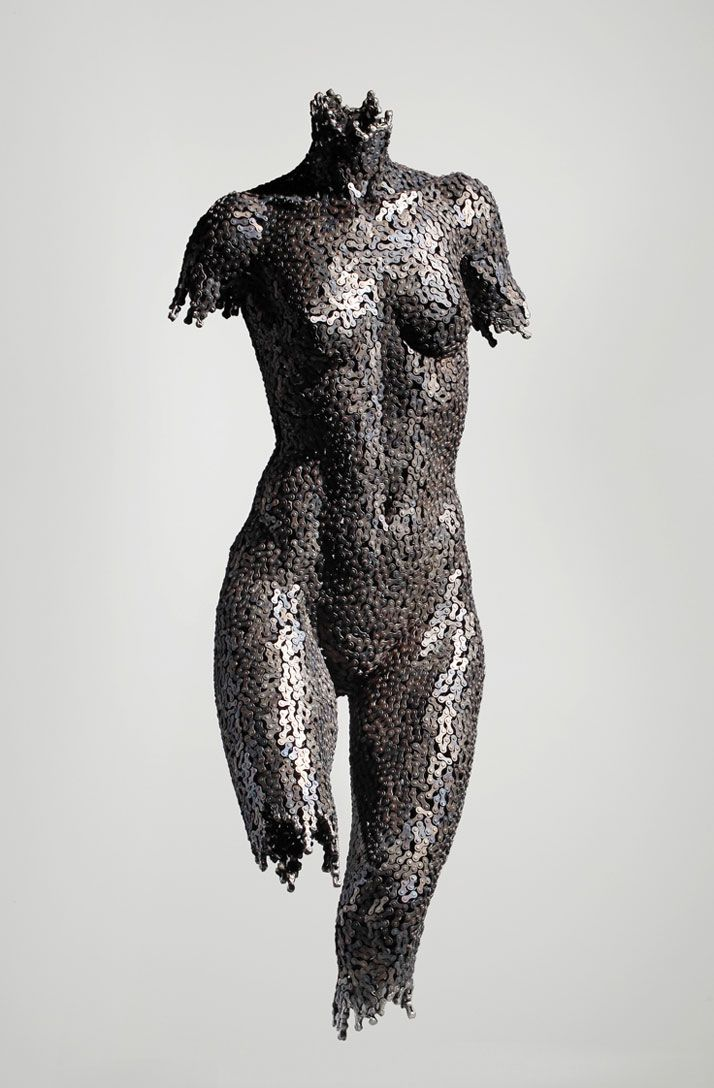 Bike chain sculpture, by Seo Young Deok