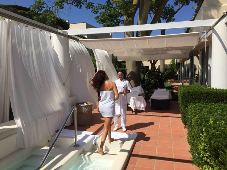Our signature treatment Leg School at Capri Beauty Farm is dedicated to those who genuinely care about the health and look of their legs.