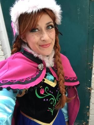 Anna From Frozen Inspired Childrens Entertainer For Hire Perfect For Childrens Parties And Movie Themed Events Frozen Inspired Entertainers And
