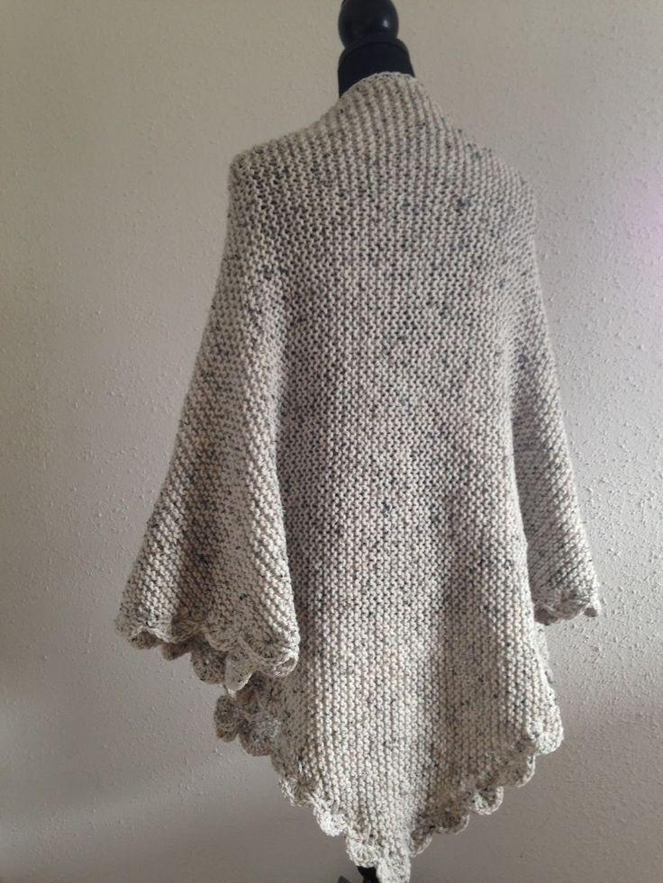 Eindelijk was het zover. De omslagdoek was al klaar maar kon niets op het blog zetten omdat het een kadootje voor mijn moeder was. Maar eind...