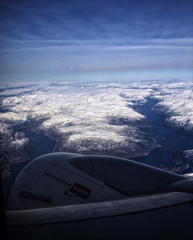 Hallo #norway  #flynorwegian #bergen #iphoneography #shotoniphone #travelphotography #ontheroad #exploretocreate #iglifecz #iglife #igerscz #filmmaking #moviemaking #onset