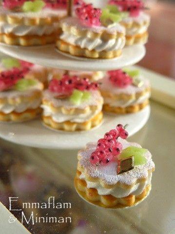 Uchuvas francés Chantilly de Sables - grosellas y crema de galletas de mantequilla - 12 escala miniatura alimentos