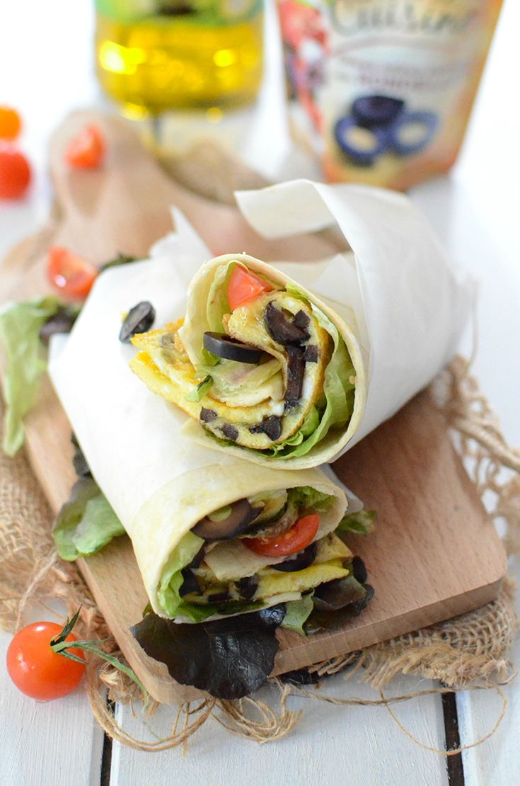 Wrap à l'omelette et aux olives noires #recette #wrap