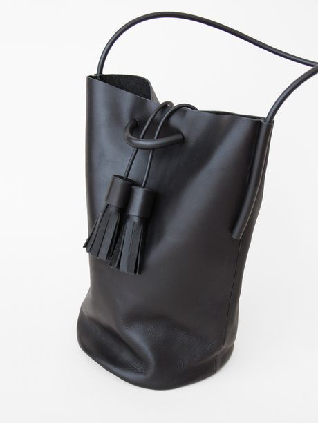 *fashion design, hand bag, black leather, minimal design* - Tasche