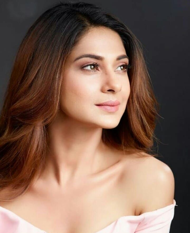 Pin By Nasiha Noorin On Jennifer Winget Jennifer Winget Jennifer Winget Beyhadh She Is Gorgeous