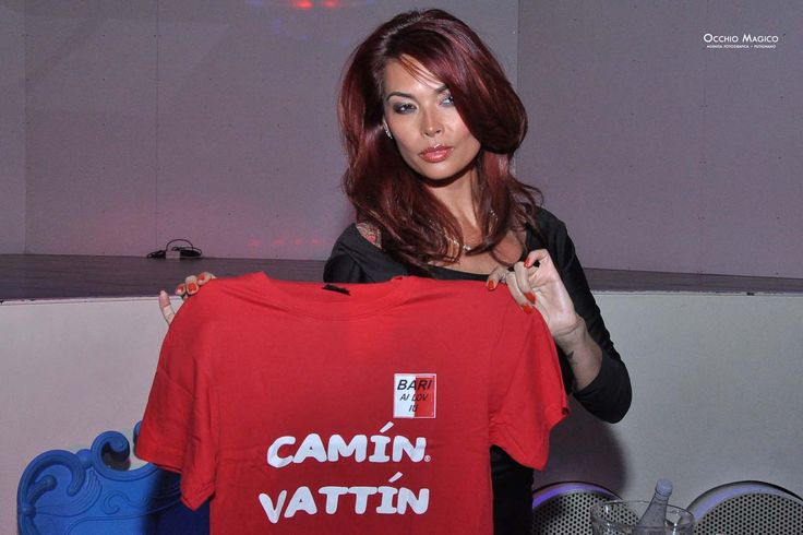 """TERA PATRICK - Le T-shirt """"Camin Vattin"""" sono in vendita presso il negozio BIDONVILLE Via Melo 224 a Bari - tel. 080-9905699 (consegna in tutta Italia e all'Estero con spedizione postale)"""