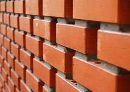 Como calcular a quantidade de tijolos por metro quadrado