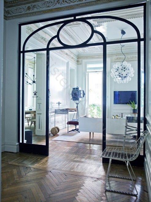.Puerta de forja y cristal