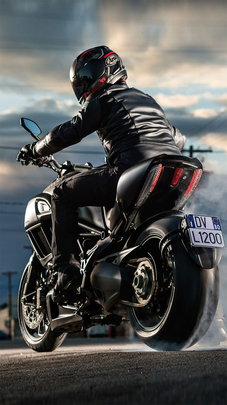 Ducati Diavel iPhone 6/6 plus wallpaper