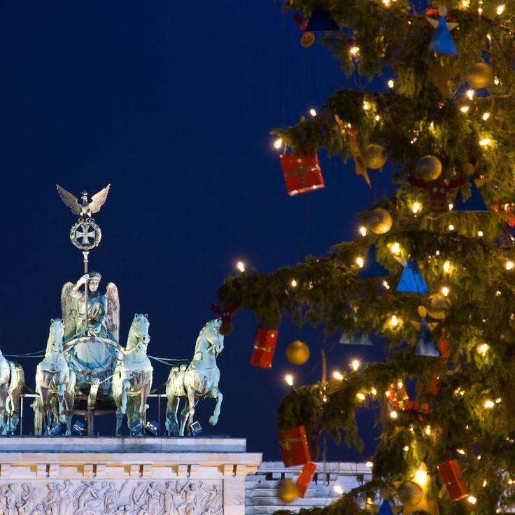Der er super hyggelig stemning i Berlin med julemarkeder, juledekorationer og juleshopping.  Læs mere om Berlin: http://www.apollorejser.dk/rejser/europa/billige-rejser-til-berlin Find dit næste julemarked: http://www.apollorejser.dk/tilbudrabatter/julemarkeder Find din næste storbyferie: http://www.apollorejser.dk/rejser/storbyferie