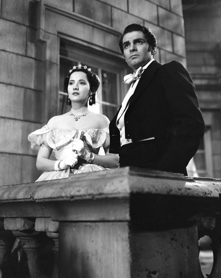 Laurence Olivier & the beautiful Merle Oberon playing Heathcliff and Cathy in Wuthering Heights (1939.) The wonderful David Niven also starred in this movie. A classic.