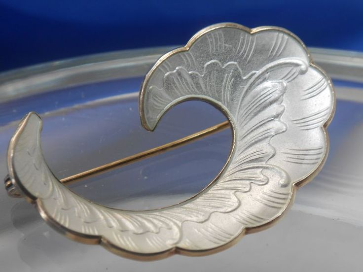 IVAR T. HOLTH NORWAY SILVER GILT ENAMEL WAVE BROOCH NORWEGIAN - Vintage-Kitsch antiques & collectables