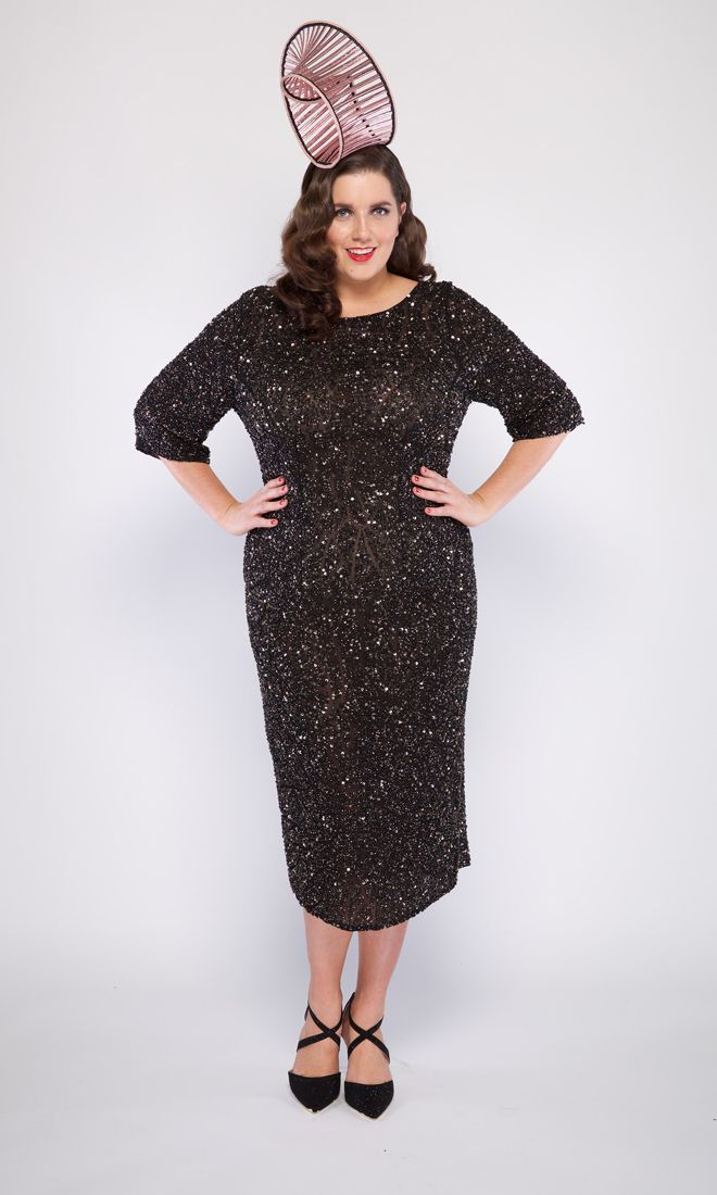 The black and gold sparkly GRACE dress is a stand out number for any special occasion! Red Carpet ready for all plus size women. . . #viviennalorikeet#gowns#wedding #eveningwear#custommade #madetomeasure#highfashion#fashion #runwayfashion#bodypositive #glam#motherofthebride #motherofthegroom#cocktaildress#style #sequinned#beautiful#luxury #weddingdress#bridal#classic #armadale#melbourne#handbeaded #couture#shop#customdress#femininity #plussizevening #plussizefashion…