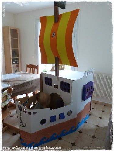 18 best images about bateau carton on pinterest diy cardboard spaceships and plays. Black Bedroom Furniture Sets. Home Design Ideas