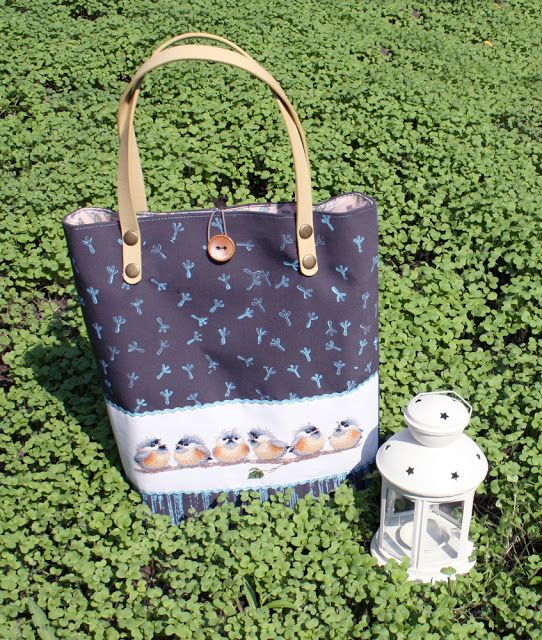 Tote with birds...