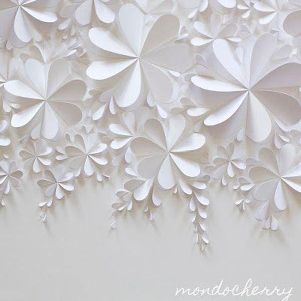 色をつかわず全て白でまとめた作品。ペーパークラフトならではの立体による影で輪郭を浮き出させている作品。