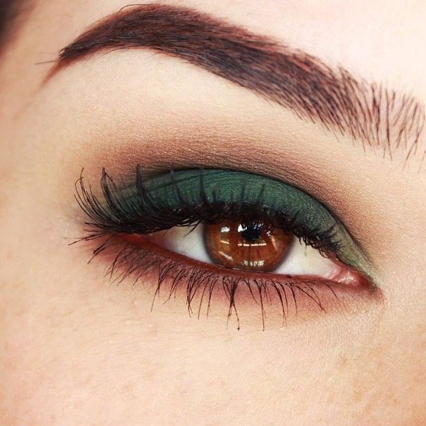 green makeup for brown eyes by easyNeon